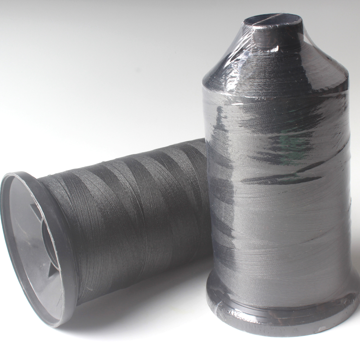 1kg/spool 1200D/3weave 0.90mm 90kg Braid UHMWPE Sewing Thread for webbing/strap/fabric/cloth/bag/garment